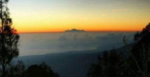 Mount Abang Sunrise Trekking Tour